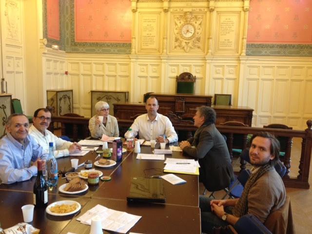De gauche à droite : Salah Boudi et Patrick et Le Mahec, membres du CA. Isabelle Favier, secrétaire, Thibaud Wilette, président, Michel Léon, membre du CA et Vivien Etard, secrétaire adjoint.